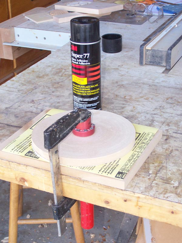 Clamp the disk to get a even glueup